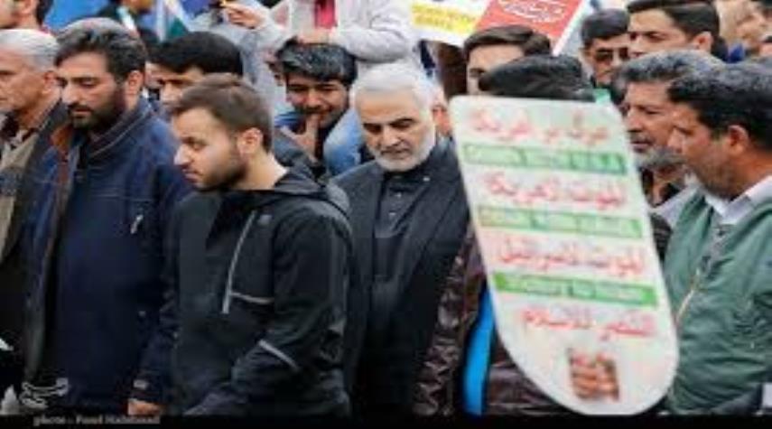 بالصور ... مسيرات مليونية للشعب الإيراني في ذكرى انتصار الثورة الإسلامية