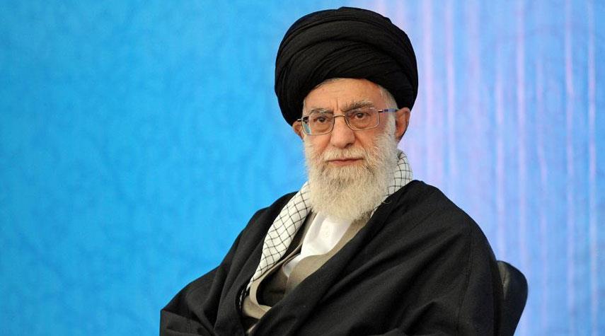 لمحة من لقاء أسرة الشهيد محمد باقر الصدر مع قائد الثورة الاسلامية