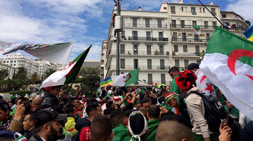 دعوات لإضراب مفتوح في الجزائر..والسبب..