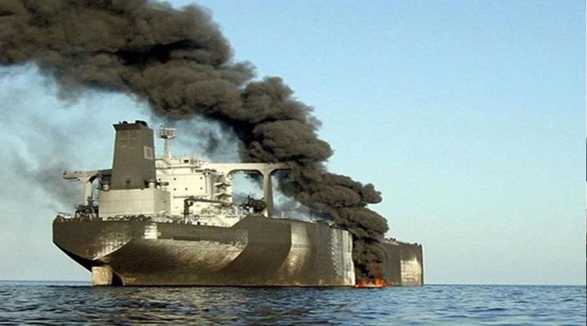 انباء تتحدث عن انفجارات كبيرة في بحر عمان