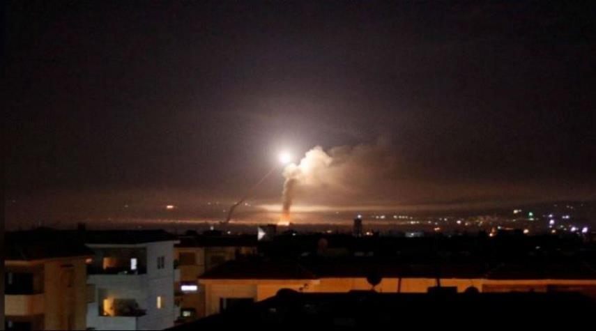 الدفاعات السورية تدمر صاروخا معاديا في سماء مصياف