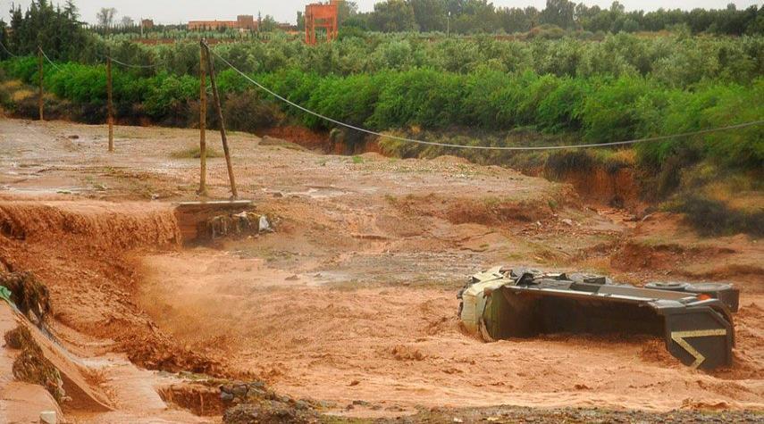 ارتفاع حصيلة انقلاب حافلة نتيجة سيول في المغرب إلى 24 قتيلاً