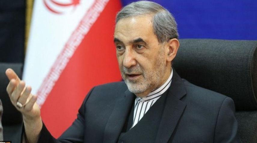 ولايتي يعلن استعداد ايران لتطوير التعاون مع الهند