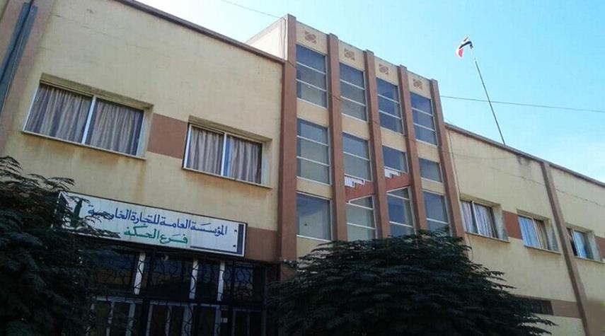 رفع العلم السوري فوق المباني في القامشلي والحسكة