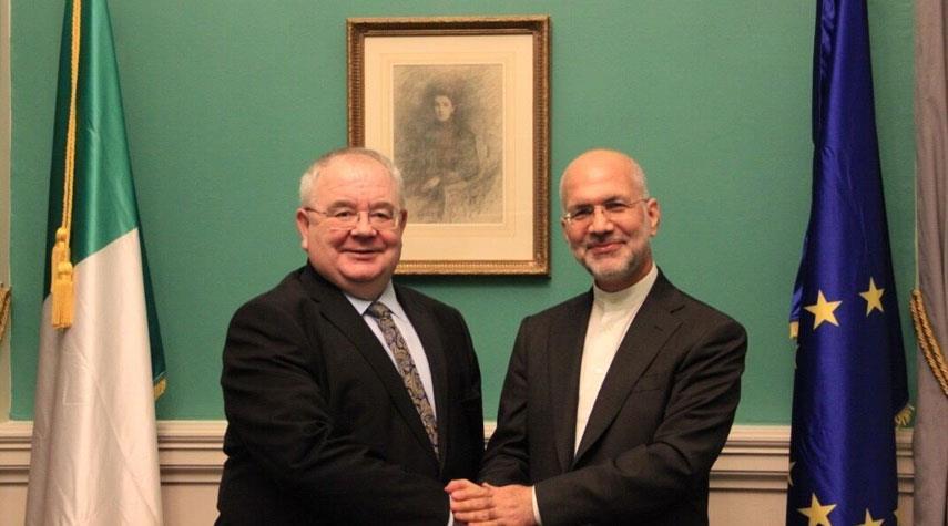 السفير الايراني في دبلن يلتقي رئيس البرلمان الايرلندي..ماذا دار بينهما؟