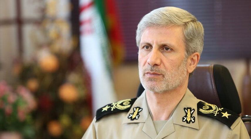 العميد حاتمي يؤكد: لا تأثير للحظر على قادتنا العسكريين
