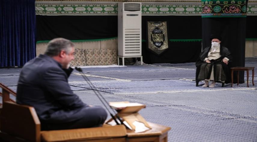 بالصور.. إقامة مجلس عزاء استشهاد الإمام السجاد (عليه السلام) بحضور الإمام الخامنئي