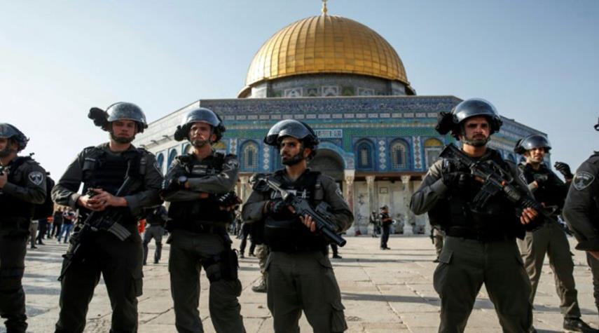 الأردن يطالب الاحتلال بالكف عن انتهاكه لحرمة الأقصى
