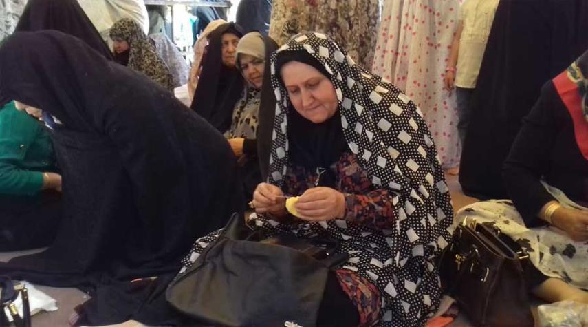 """""""خياطة الكيس"""" في دامغان.. تقليد منذ 5 قرون"""