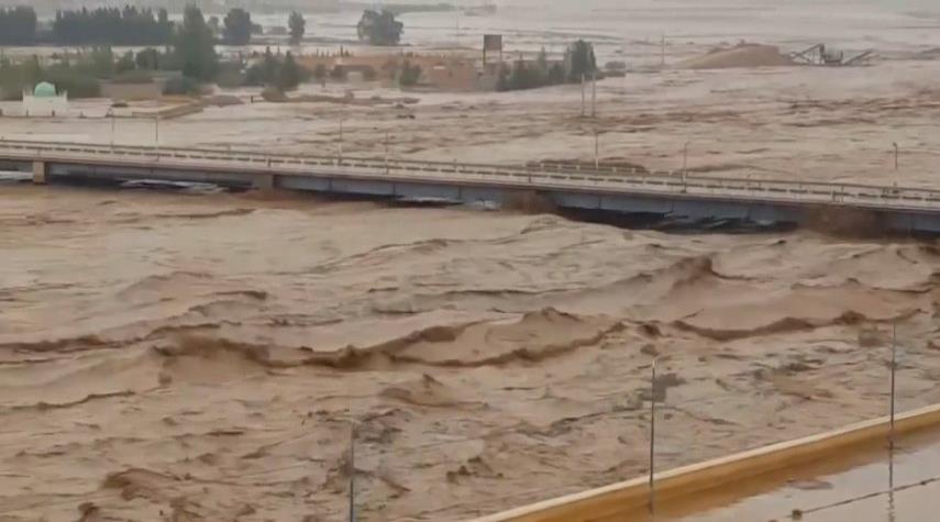 ارتفاع ضحايا سيول الجزائر إلى 5 أشخاص