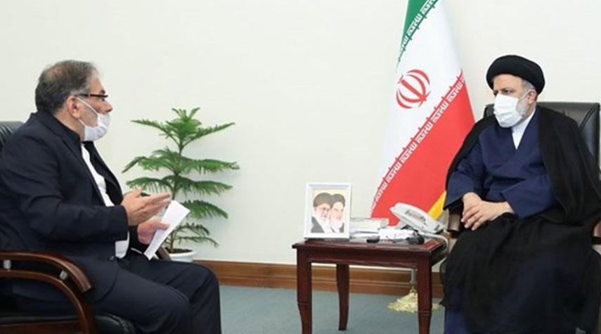 أمين المجلس الأعلى للأمن القومي يلتقي الرئيس الايراني المنتخب