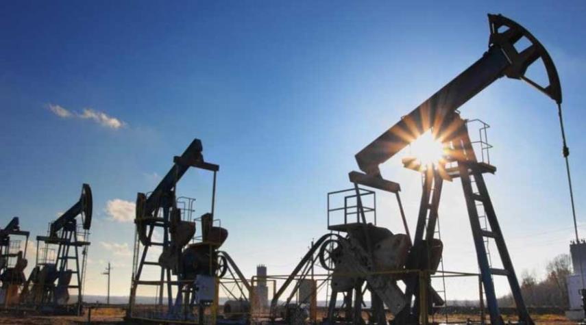 أسعار النفط تواصل التعافي بفعل تراجع المخزون الأمريكي
