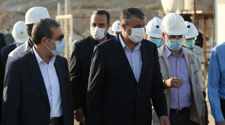 رئيس منظمة الطاقة الذرية الايرانية يتفقد محطة بوشهر النووية