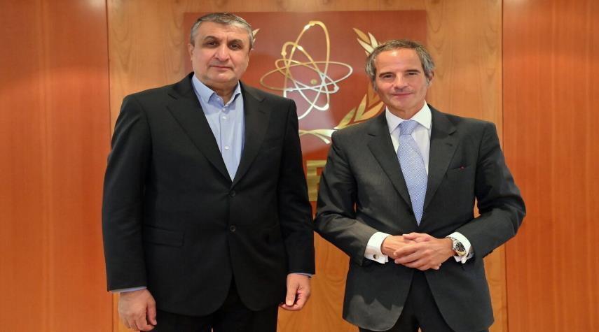غروسي: محادثاتنا مع اسلامي تناولت البحث حول تعزيز بيان طهران